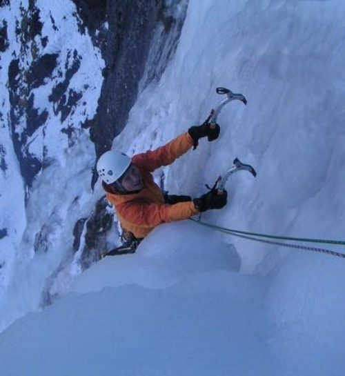 49d Colin-topingout-on-steep-ice-left-of-Pingu