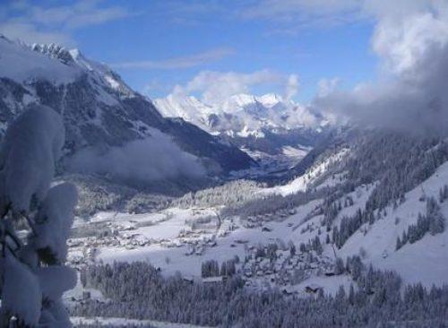 49a Winter-veiw-down-into-Kandersteg