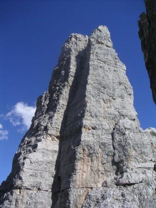 40e The-beautiful-Torre-Barrancio-in-the-Cinque-Torri-group