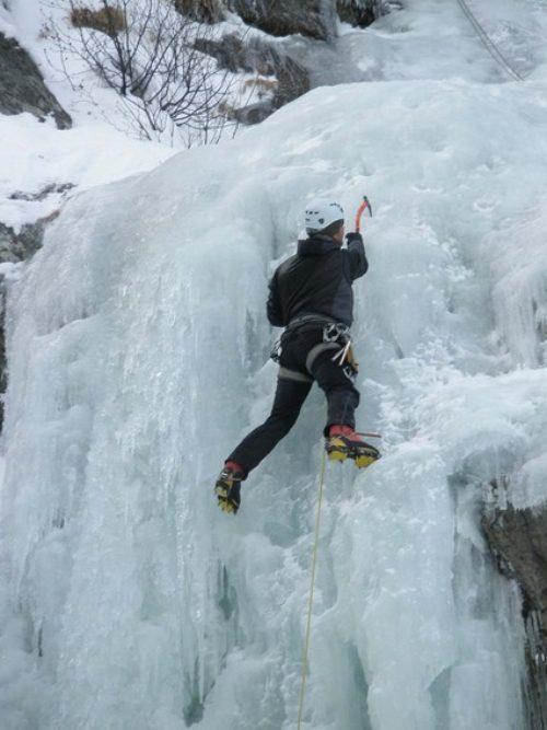 Ice-Climbing-Leysin-Alps